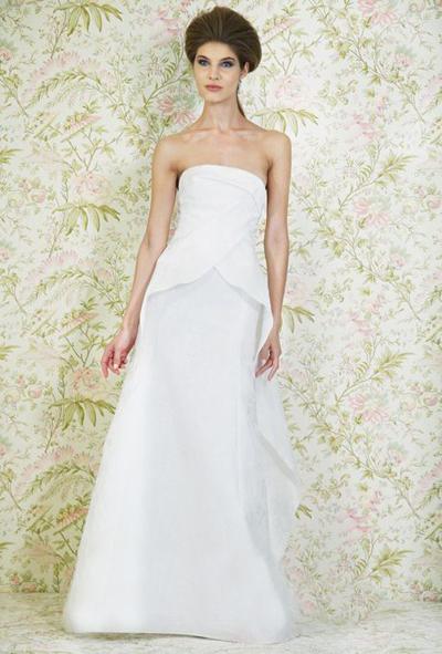 بالصور فساتين العروس انواع عجيبة وجميلة لملابس العرائس 18 43