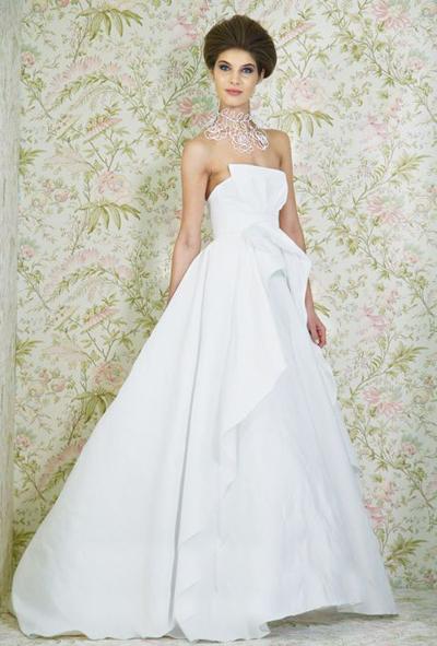 بالصور فساتين العروس انواع عجيبة وجميلة لملابس العرائس 18 47