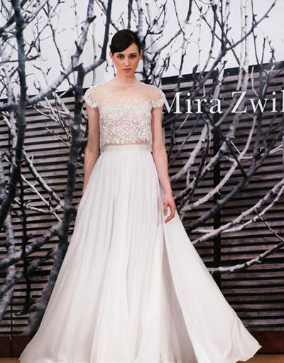 بالصور فساتين العروس انواع عجيبة وجميلة لملابس العرائس 18 56