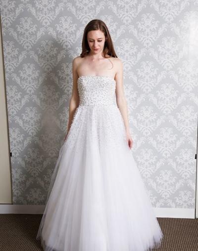 بالصور فساتين العروس انواع عجيبة وجميلة لملابس العرائس 18 59