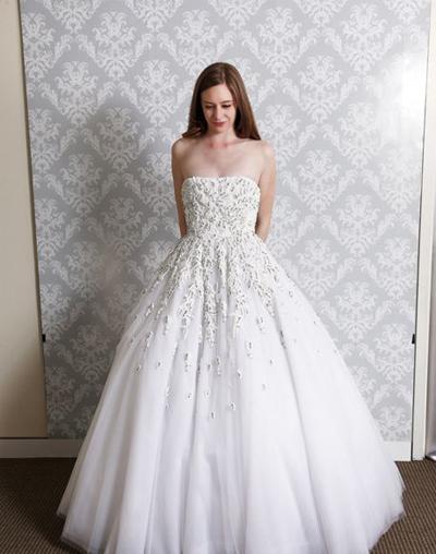 بالصور فساتين العروس انواع عجيبة وجميلة لملابس العرائس 18 60