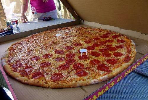 بالصور اكبر بيتزا بالعالم , صور اكبر بيتزا