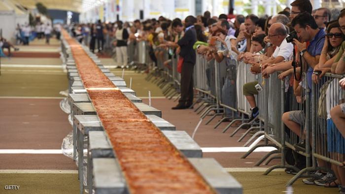 بالصور اكبر بيتزا بالعالم , صور اكبر بيتزا 1081 7