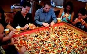 صوره اكبر بيتزا بالعالم , صور اكبر بيتزا