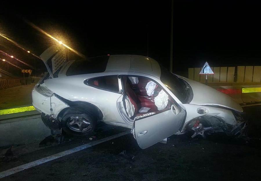 صوره صور حادث بورش ,حادث مؤسف بسياره بورش