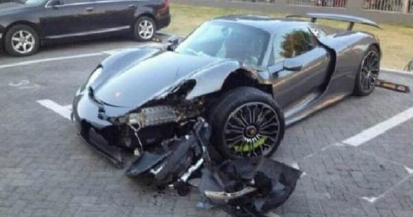 بالصور صور حادث بورش ,حادث مؤسف بسياره بورش 1580 2