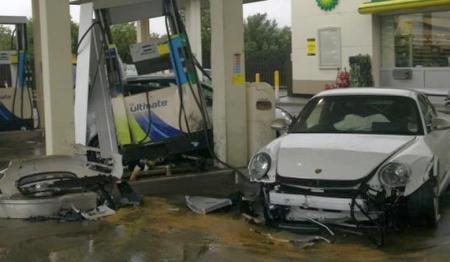 بالصور صور حادث بورش ,حادث مؤسف بسياره بورش 1580 4