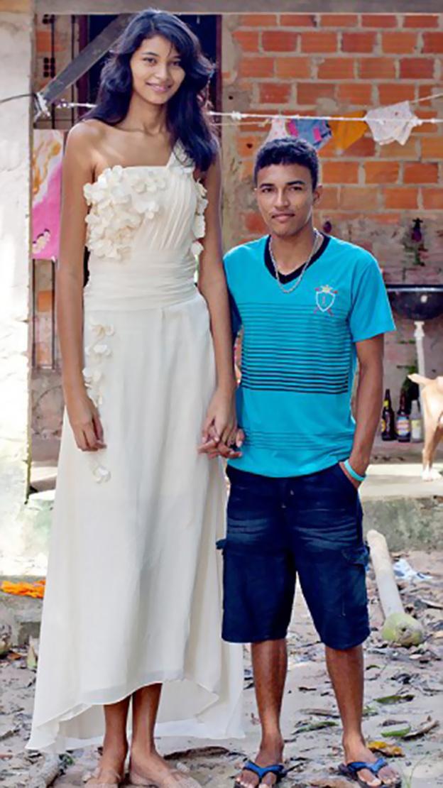 بالصور اطول امراة بالعالم , حسب موسوعة غينيس 2056 4
