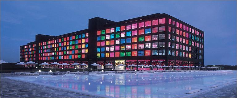 صوره فندق في تركيا مبني من الزجاج