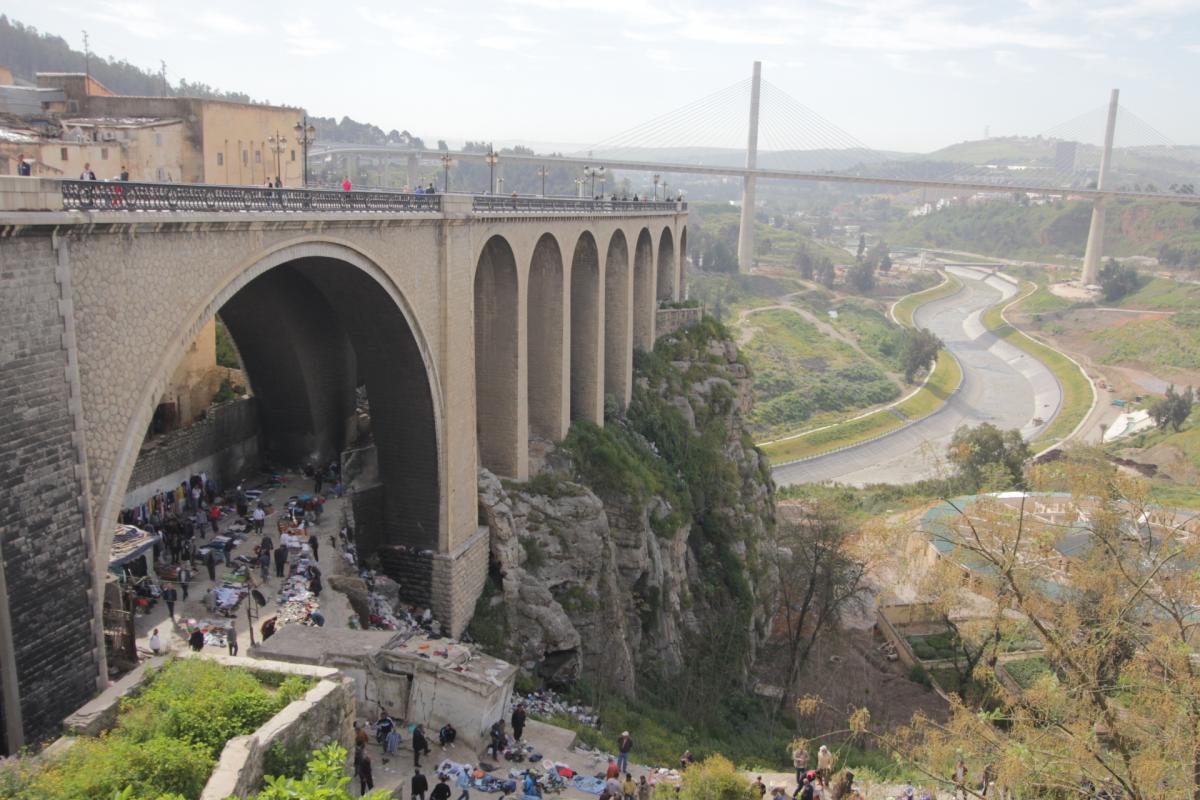 صوره مدينة الجسور المعلقة قسنطينة