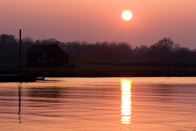بالصور غروب الشمس في القطب الشمالي 471 13