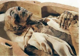 صورة صور فرعون موسى , جثة فرعون الذى حارب موسي