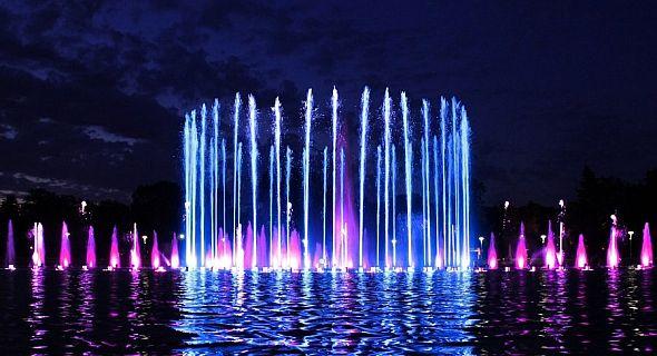صوره نوافير مياه ملونه , اروع نافورة ملونة راقصة