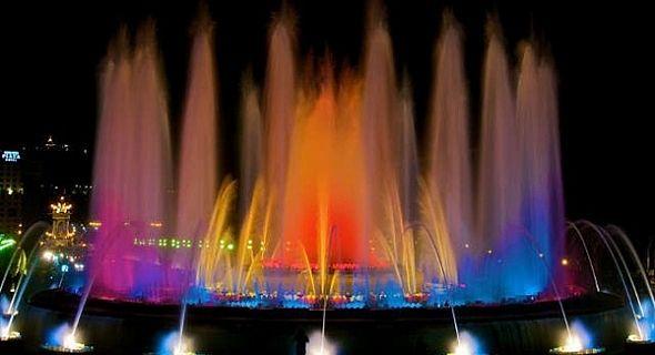 صورة نوافير مياه ملونه , اروع نافورة ملونة راقصة
