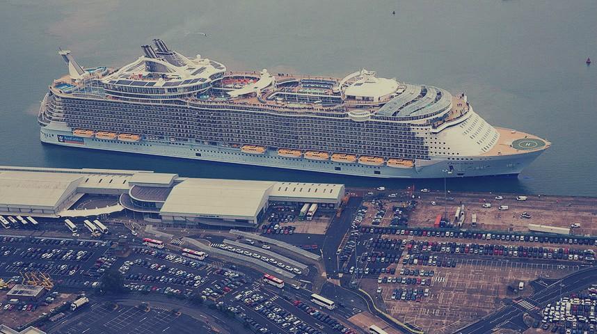 بالصور سفينة تايتنك الجديدة     ,   بالصور  حلم تايتنك الحديثه تعود للابحار قريبا 1481 1
