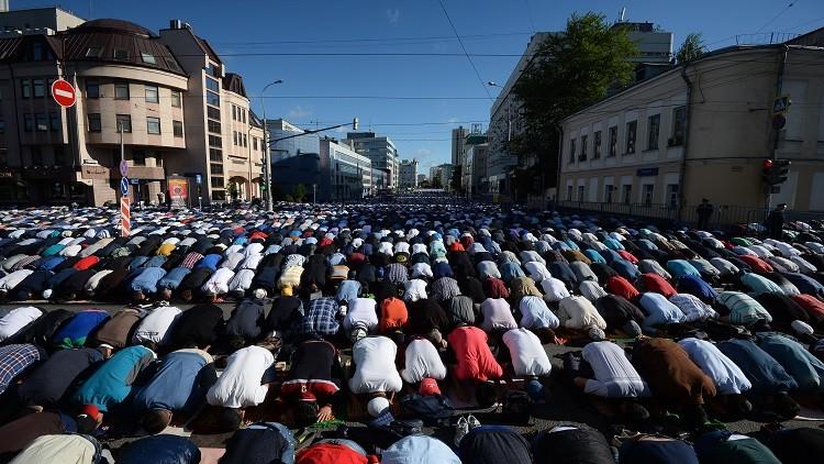بالصور صلاة العيد في موسكو     ,     مسلمو روسيا وصلاة العيد فى المسجد الجامع فى موسكو 1568 5