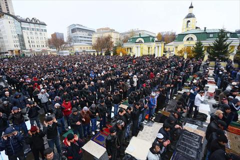 بالصور صلاة العيد في موسكو     ,     مسلمو روسيا وصلاة العيد فى المسجد الجامع فى موسكو 1568 6