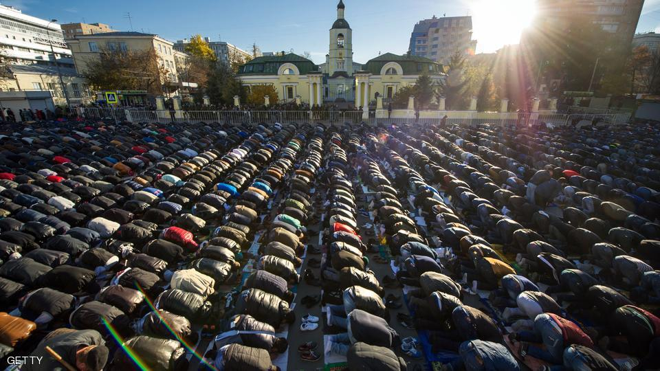 بالصور صلاة العيد في موسكو     ,     مسلمو روسيا وصلاة العيد فى المسجد الجامع فى موسكو 1568 9