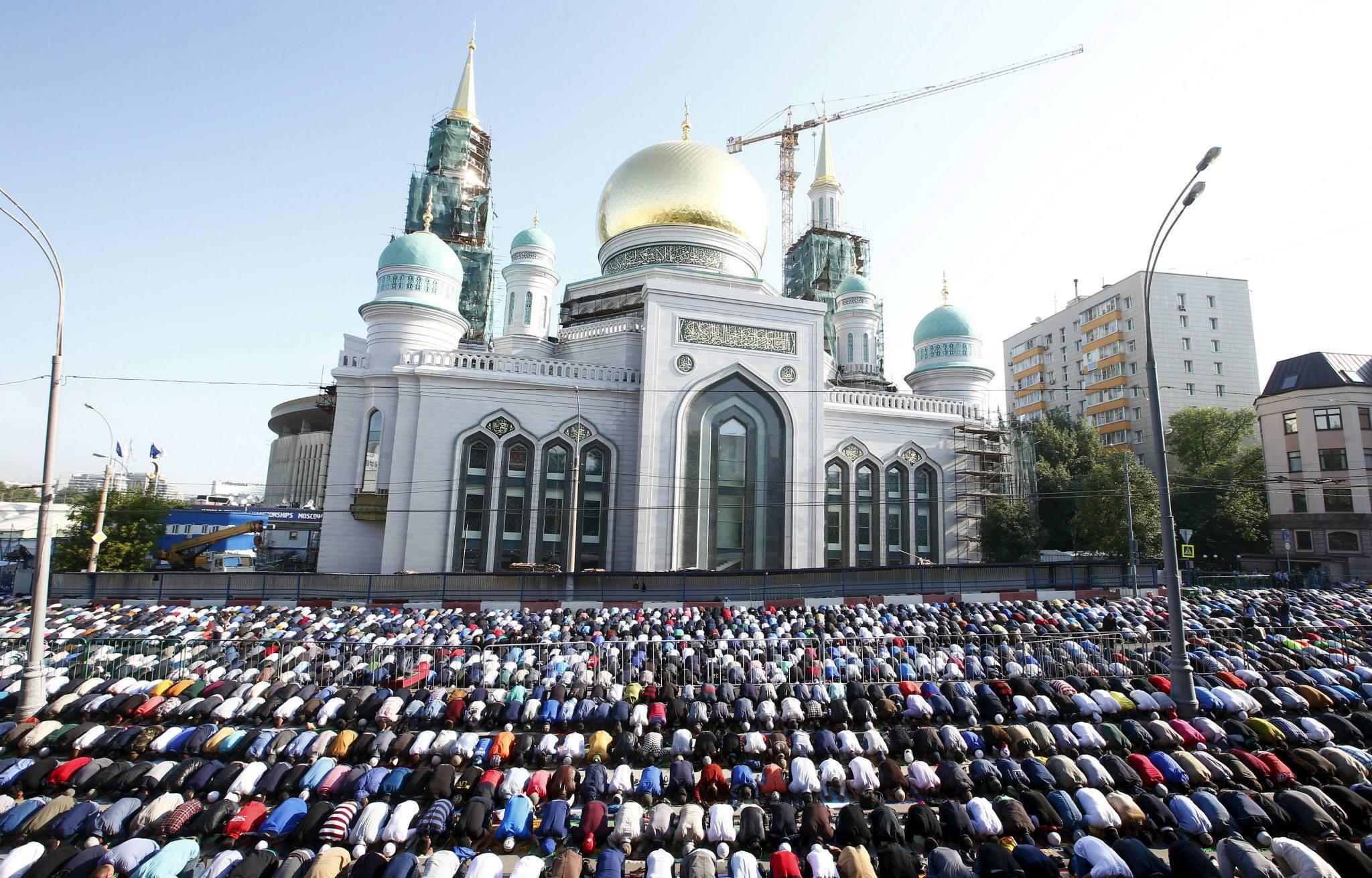صوره صلاة العيد في موسكو     ,     مسلمو روسيا وصلاة العيد فى المسجد الجامع فى موسكو