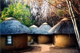 صوره البيوت في افريقيا , من الطين علية رسومات مدهشة