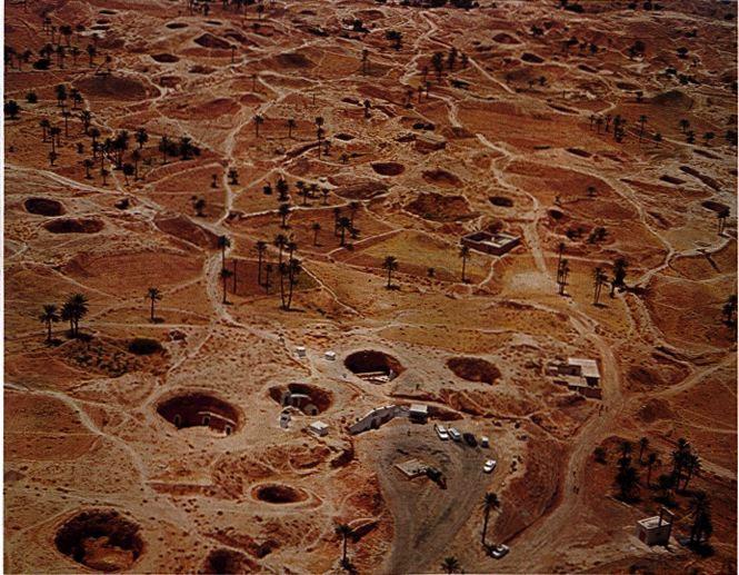 صورة مطماطة مدينة تحت الارض , اعجب البيوت المبنية في حفرة