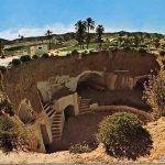 مطماطة مدينة تحت الارض , اعجب البيوت المبنية في حفرة