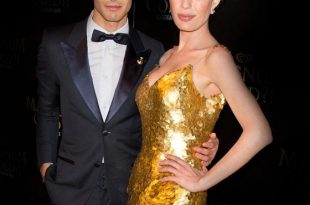 صورة فستان من ذهب , احدث صيحات الموضة