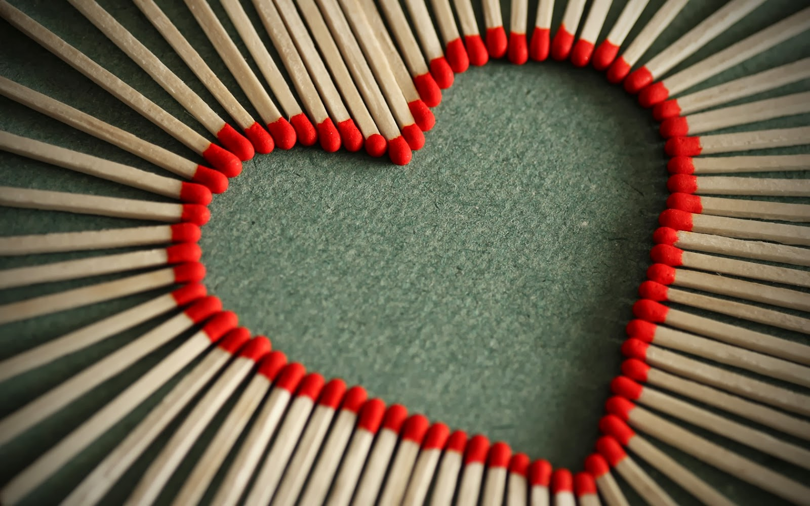 صور خلفيات قلب الحب , بوستات رومانسية لعيد الحب