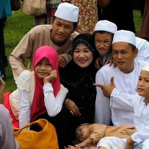 بالصور المسلمون حول العالم ,  و سماحة الاسلام في وجوه المسلمين 3646 5