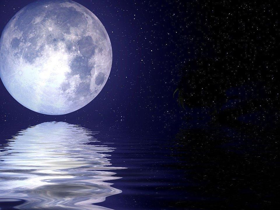 صوره صور روعه للقمر , ما اروع وقت انعكاس ضوء القمر