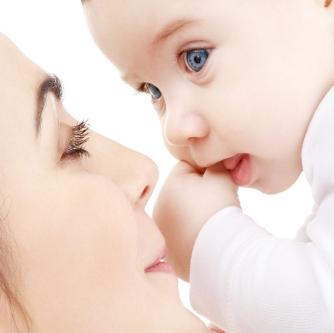 بالصور صور ام وطفلها , الامومه شئ رائع وكل فتاه تحلم به 3669 4