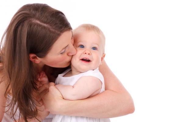 بالصور صور ام وطفلها , الامومه شئ رائع وكل فتاه تحلم به 3669 7