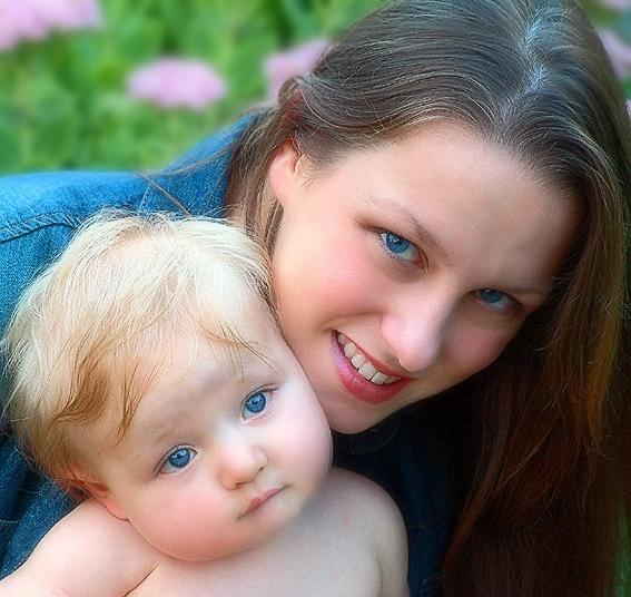 بالصور صور ام وطفلها , الامومه شئ رائع وكل فتاه تحلم به 3669