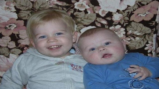 صور اجمل طفلين في العالم ,من منا لايعشق الاطفال