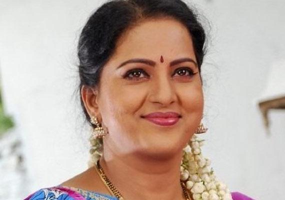 بالصور صور ممثلات هنديات ,  من منا لايحب المشاهير الهنود 4071 7