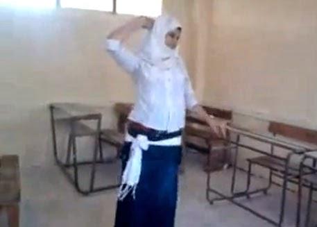 صورة فضيحة بنات الثانوية , رقص المراهقات بالمدارس