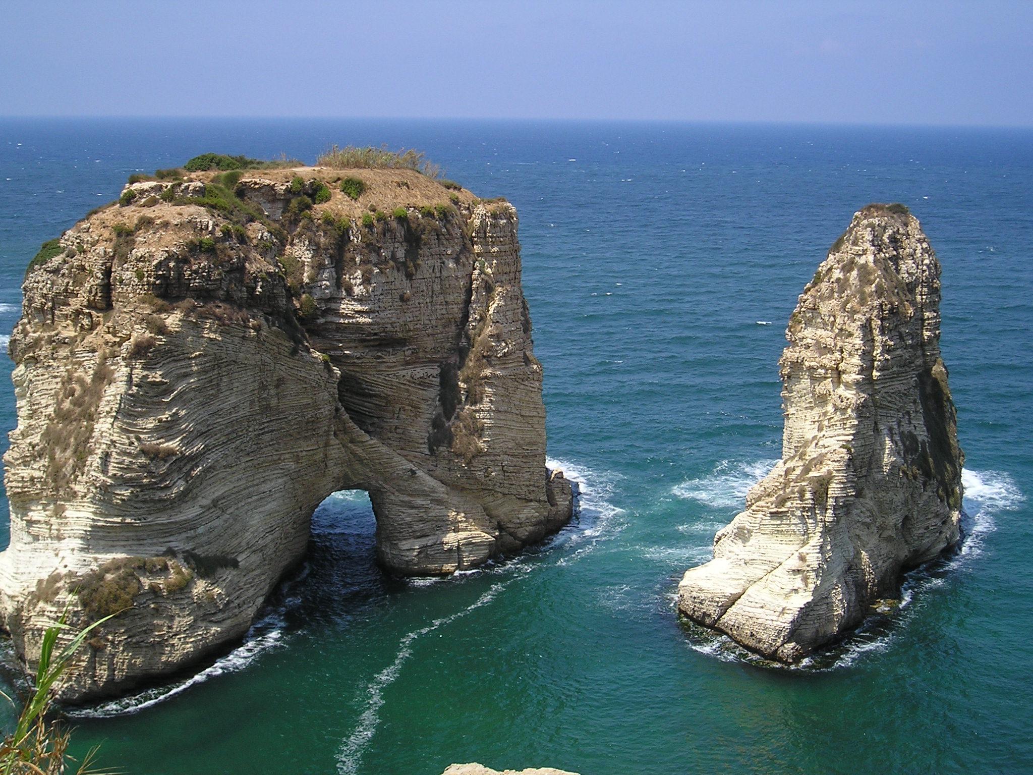 صورة بحبك يا لبنان , بلد المناظر الخلابة و الاثار العريقة