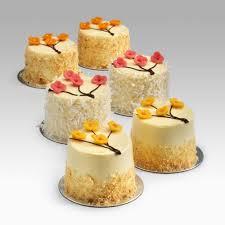 صورة حلويات غير شكل , مجموعة حلويات رائعة غير شكل بالمرة
