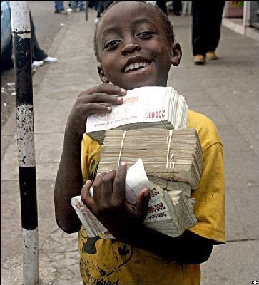 صوره اغبى عملة في العالم   ,    عملة زيمبابوى فى الضياع