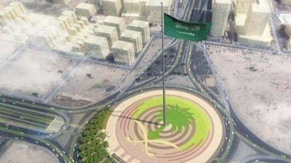 بالصور اطول علم سعودي , سارية العلم الاطول ترفرف فى جده 1433 1