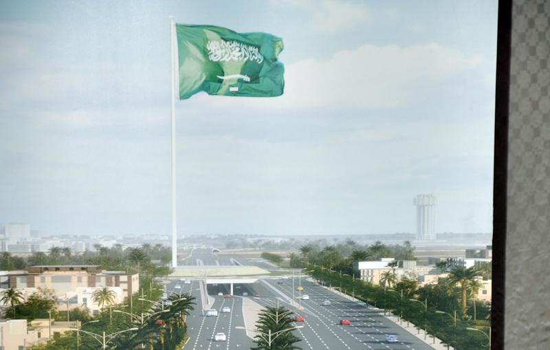 بالصور اطول علم سعودي , سارية العلم الاطول ترفرف فى جده 1433