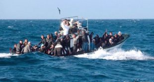 صوره الهروب من الموت الى الموت  ,   معاناة لاجئين