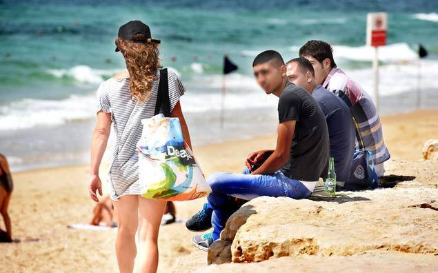 بالصور بنات على شاطئ البحر , صور اطلالة مثيرة للفتيات 2904 5