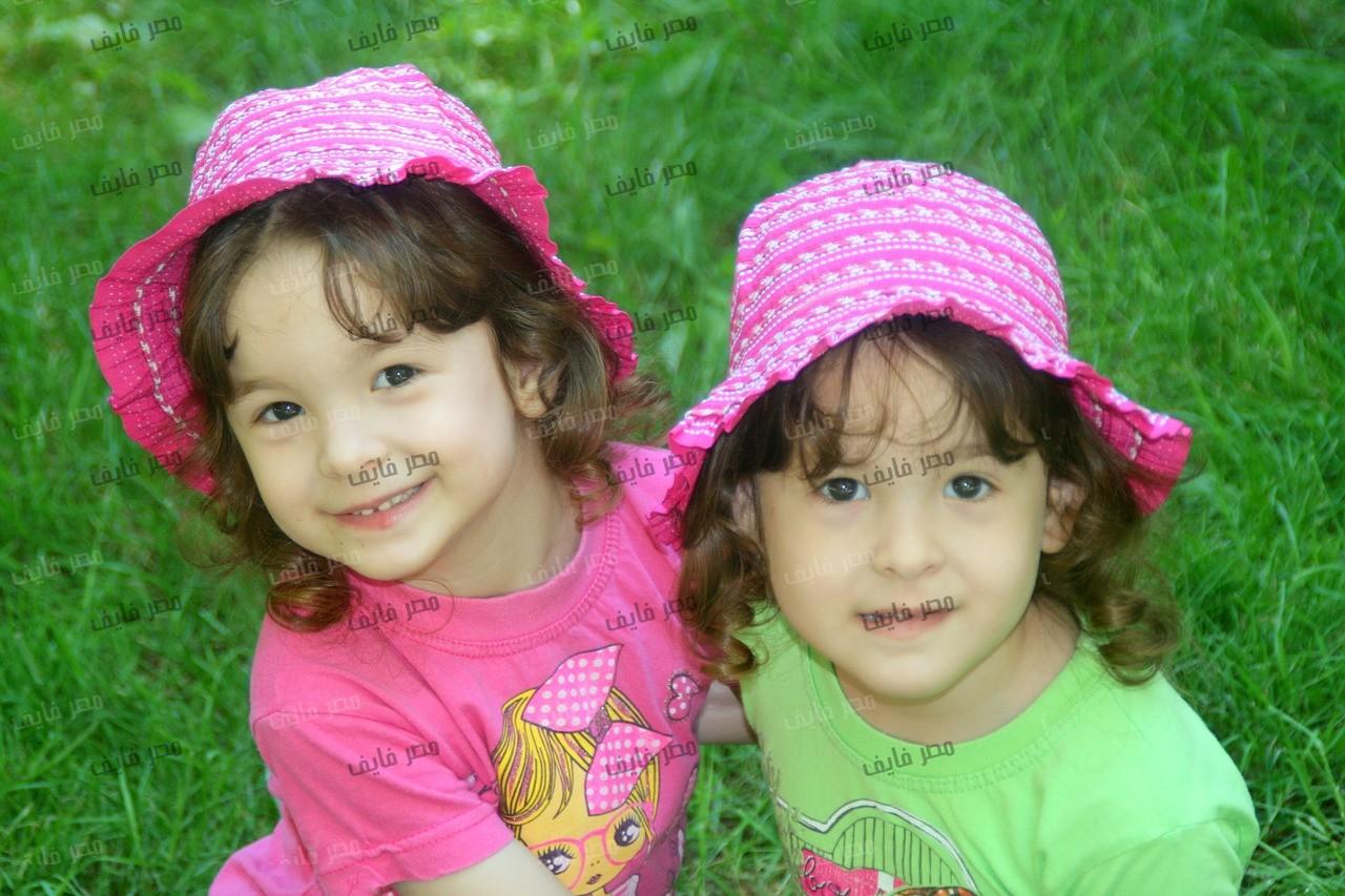 بالصور صور توائم حلوين , اطفال كيوت رائعة 2964 2