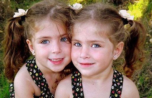 بالصور صور توائم حلوين , اطفال كيوت رائعة 2964 5