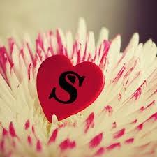 صورة صور قلوب مكتوب عليها حروف , طرق مختلفة للتعبير عن الحب و الرومانسية
