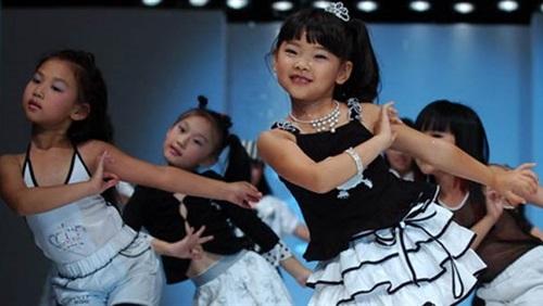 صورة اطفال اليابان في السوق , صور رائعة ومدهشة