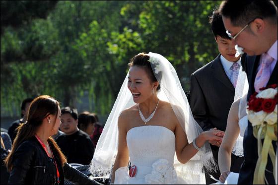 صورة صور زواج جماعي , في حديقة هيديان في بكين 3169 3