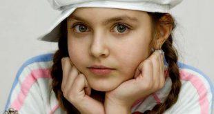 اصغر عارضة ازياء ايرانية , تتميز بوجة وطلة جميلة