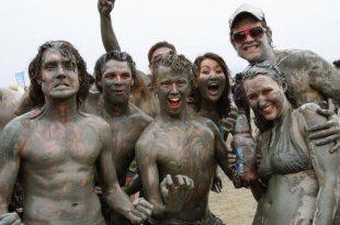 صورة صور مهرجان الطين , متعة وترفية ومرح في الوحل